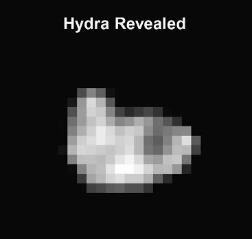 Původní snímek Hydry, nezpracovaný Autor: NASA/JHUAPL/SWRI