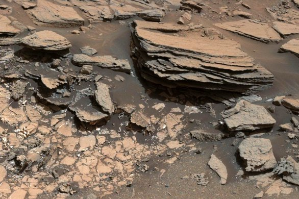 Dva různé typy hornin v lokalitě Marias Pass na Marsu Autor: NASA/JPL-Caltech/MSSS