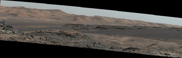 Sol 1115, 25. 9. 2015, tmavé dunové pole a svyhy Aeolis Mons Autor: NASA/JPL-Caltech/MSSS