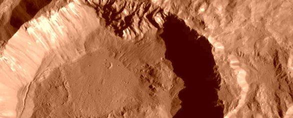 Kráter Kupalo na Ceres. Úprava snímku Petr Scheirich Autor: NASA/JPL-Caltech/UCLA/MPS/DLR/IDA