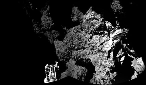 Fotografie z modulu Philae, pořízená po přistání na kometě (listopad 2014) Autor: ESA/Rosetta-blog