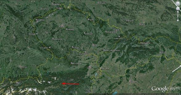 Dráha bolidu nad Rakouskem a polohy kamer Evropské bolidové sítě. Autor: Google/Pavel Spurný.