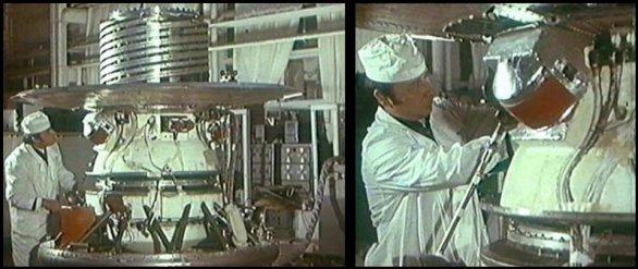 Práce na přistávacím modulu Veněry 9 Autor: Don P. Mitchell