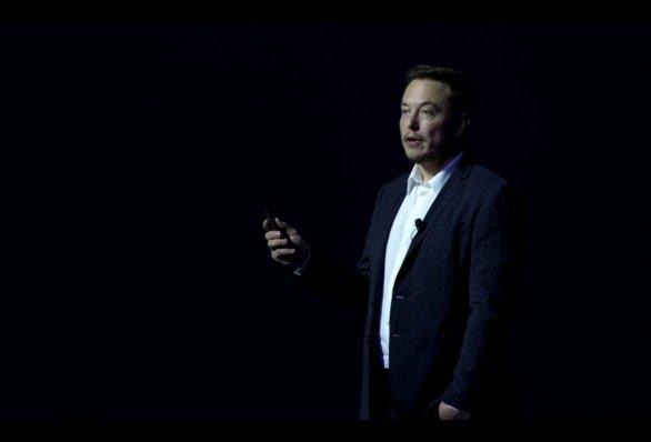 Elon Musk při prezentaci 27. 9. 2016 Autor: SpaceX