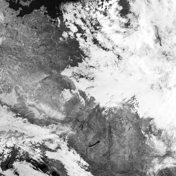 Ukázky snímků ze družice Suomi-NPP pro noc s airglow 2./3. prosince nad Slovenskem a Maďarskem. Autor: Družice Suomi NPP/DNB.