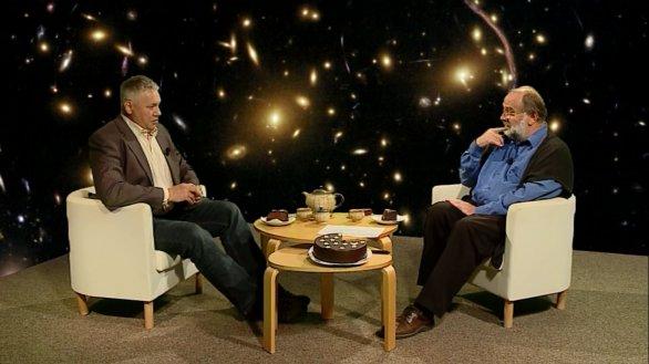 Prof. Petr Kulhánek hostem pořadu Hlubinami vesmíru. Autor: TV Noe.