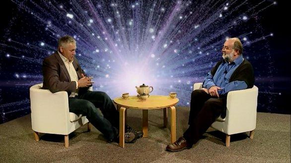 Prof. Petr Kulhánek hostem pořadu Hlubinami vesmíru Autor: TV Noe