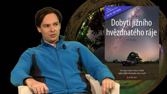 Petr Horálek představuje knihu Dobytí jižního hvězdnatého ráje v pořadu Hlubinami vesmíru. Autor: TV Noe.