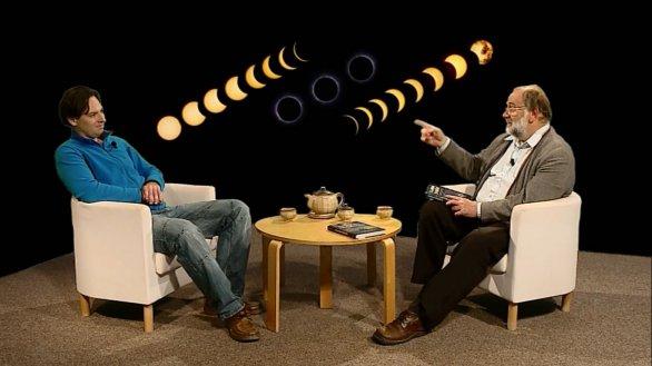Petr Horálek povídá o zatmění Slunce v pořadu Hlubinami vesmíru. Autor: TV Noe.