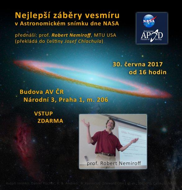 Prof. Robert Nemiroff popřednáší o Astronomickém snímku dne NASA v Praze 30. června 2017. Autor: ČAS.