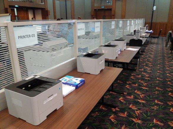 Tiskárny pro přípravu překladů zadání 11. IOAA Autor: Jan Kožuško