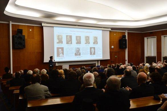 Bohuslav Rejlz perfektně zasadil historii vzniku České astronomické společnosti do tehdejší těžké doby 1. světové války. Autor: David Malík.
