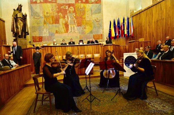 Slavnostní atmosféru podtrhly skvělé hudební vložky Mnichovického smyčcového kvarteta. Autor: David Malík.