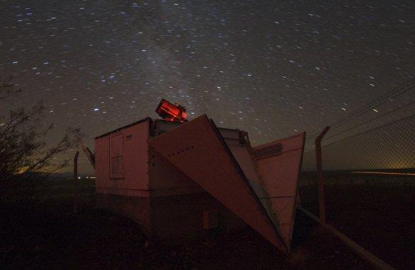 Ďalekohľad FRAM počas nočného pozorovania Autor: Martin Mašek