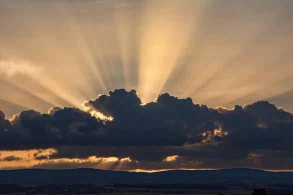 Druhé místo v kategorii Cena Regionu v soutěži Neklidné nebe: Orlické hory. Autor: Pavel Grulich.