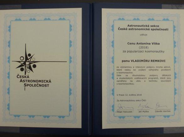Diplom laureáta Ceny Antonína Vítka pro rok 2018 Autor: Astronautická sekce ČAS