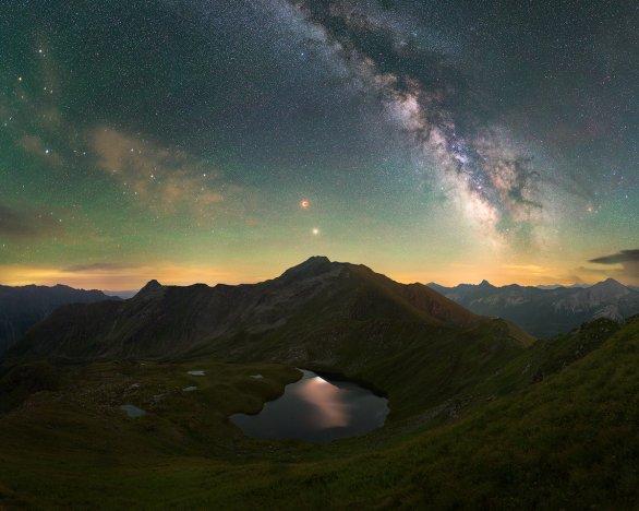 Zatmění měsíce nad jezerem Schönalmsee Autor: Oliver Beneš