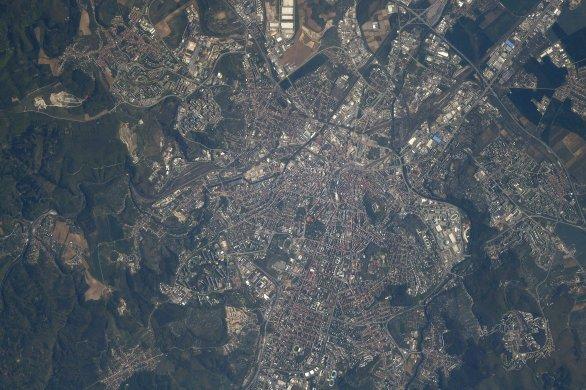 Brno z paluby Mezinárodní vesmírné stanice z výšky asi 400 km dne 4. 8. 2018 Autor: NASA/Andrew Feustel
