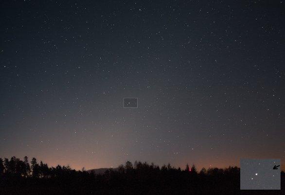 Kometa se nachází v souhvězdí Panny v oblasti, kam se nyní promítá kužel zvířetníkového světla Autor: Martin Gembec