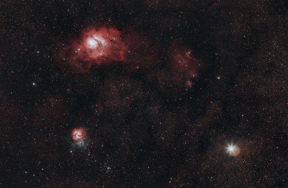 Mlhovina Omega a Trifid ve společnosti planety Saturn. Autor: Jan Merc, Kateřina Fialová