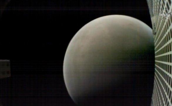 Mars z cubesatu MarCO při jeho odletu od planety po přistání InSight Autor: NASA/JPL