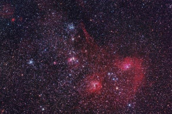 Oblast ve Vozkovi s hvězdokupami M 36 / 38 a s mlhovinami IC 405 / 410 Autor: Pavel Vabroušek