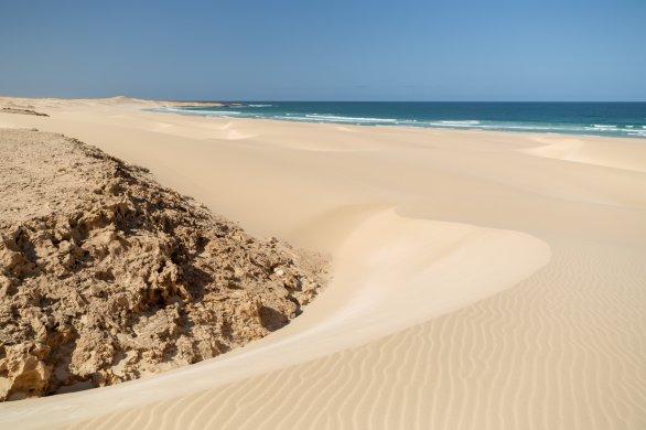 Pláž a duny Chaves za denního světla. Autor: Petr Horálek.