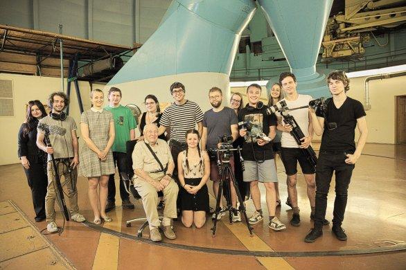 Zkušenost a zralost + mládí a odvaha jít dál (v kopuli Perkova dalekohledu v Ondřejově, 2018)