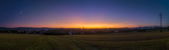 Velice výrazný poerupční soumrak 4. září 2019 nad Broumovem. Autor: Petr Horálek.
