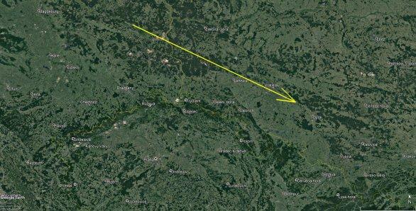 Obrázek 2: Průmět dráhy bolidu EN130919_191443 a rozložení nejbližších stanic české části Evropské bolidové sítě, kde byl bolid našimi přístroji zaznamenán. Jedná se především o stanice Polom, Ondřejov, Svratouch a Červená hora, na ostatních stanicích na obrázku bylo v době jeho přeletu zataženo Autor: Google/Astronomický ústav AV ČR.