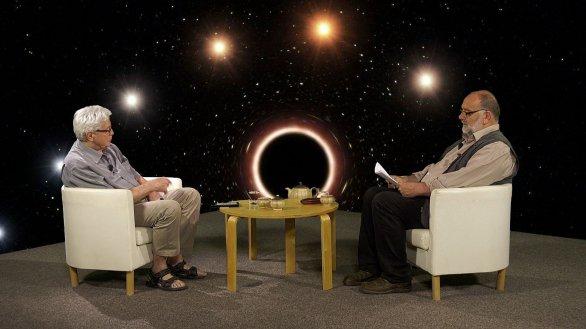 RNDr. Jiří Grygar a moderátor Jinřich Suchánek v pořadu Hlubinami vesmíru Autor: TV Noe