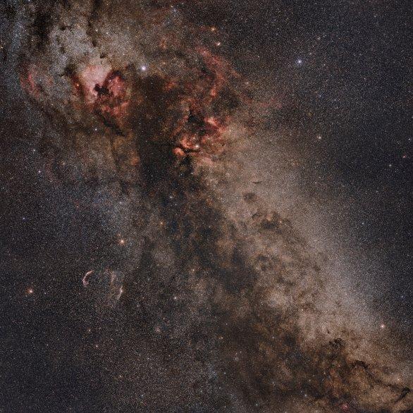 Mlhoviny v souhvězdí Labutě a okolí Autor: Martin Vyhlídal