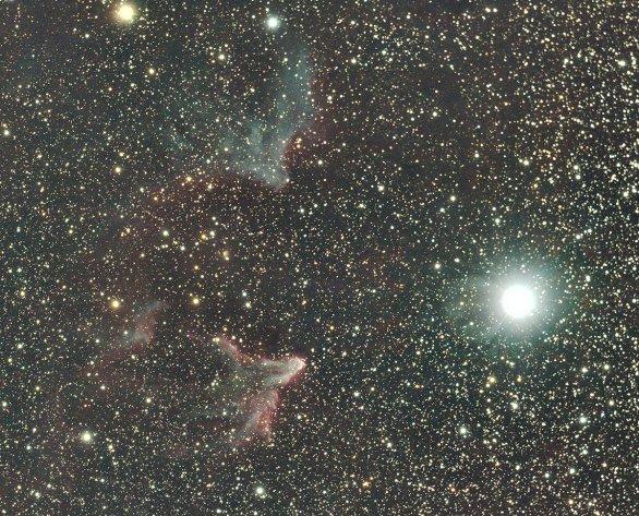 Mlhovina u hvězdy gamma Cas. Autor: Vít Levinský, Roman Ponča