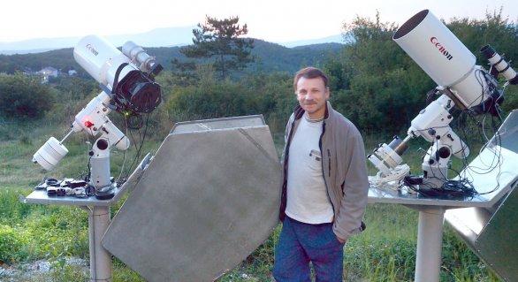 Genadij Borisov pri telekopoch GENON Autor: Genadij Borisov