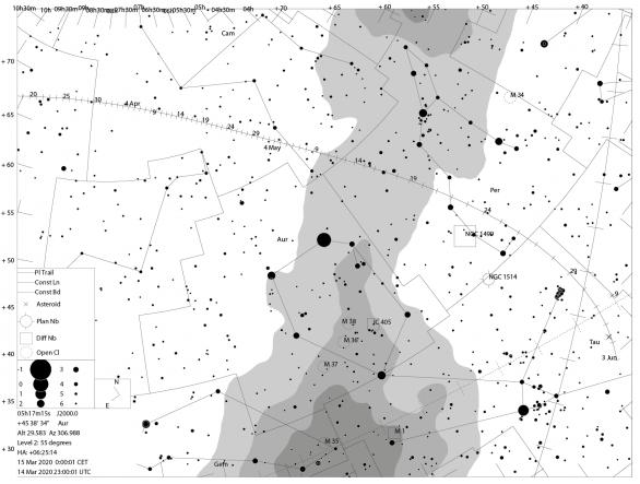 Dráha komety ATLAS mezi hvězdami až do července 2020. U nás přestane být pozorovatelná ve třetí dekádě května 2020, kdy bude procházet souhvězdím Persea. V té době najdeme kometu už jen nízko nad obzorem během soumraku nebo rozbřesku. Autor: Hvězdárna Valašské Meziříčí.