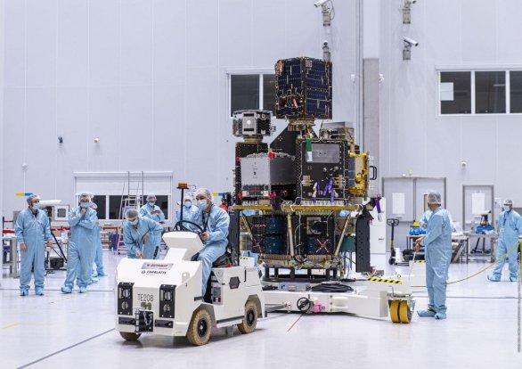 Dispenser s družicemi připravený k integraci s raketou Vega Autor: ESA - M. Pedoussaut