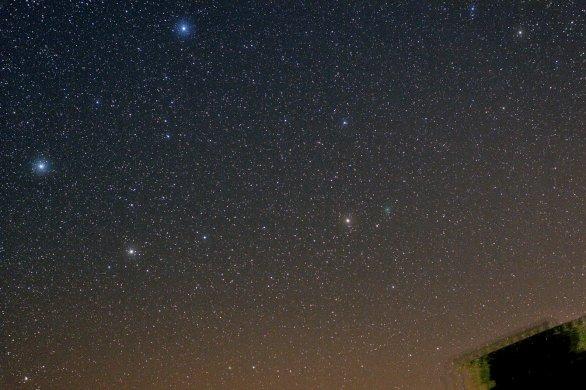 Kometa C/2020 M3 (ATLAS) 20. 10. 2020, 1:45 SELČ, Sigma 135 mm, f/4, Canon 6D, ISO 1600, 12×60s, Pixinsight Autor: Martin Gembec