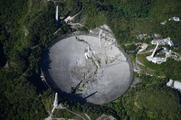 Radioteleskop Arecibo po zřícení platformy s přístroji 1. 12. 2020 Autor: Juan R. Costa/NotiCel