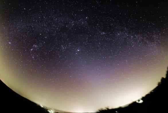 Zodiakiálne svetlo a Mliečna cesta Autor: Tadeáš Valent