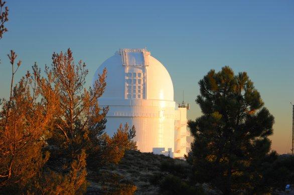 Kopule největšího kontinentálního dalekohledu. ZEISS 3,5 m. Autor: Zdeněk Bardon