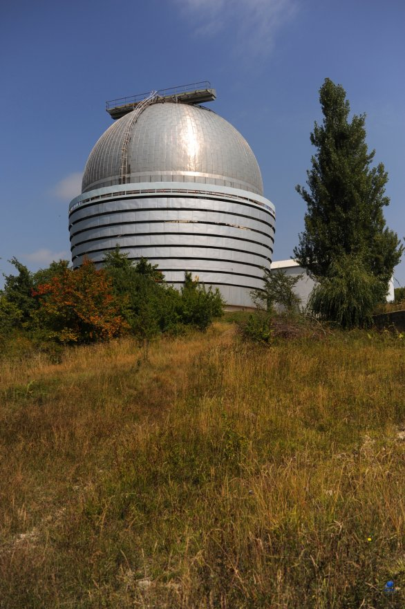 Kopule dvoumetrového dalekohledu observatoře Shamakhy, Ázerbájdžán Autor: Zdeněk Bardon