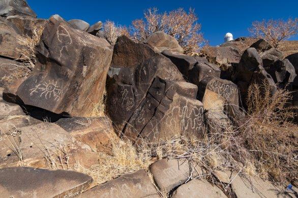 Starodávné petroglyfy v poušti Atacama. Observatoř ESO, La Silla, Chile Autor: Zdeněk Bardon