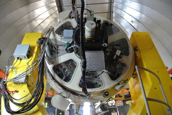 Pohled na spodní část dalekohledu VATT. Mt. Graham, Arizona, USA Autor: Zdeněk Bardon