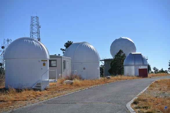 Jednotlivé observatoře na SkyCenter, Mt. Lemmon, Arizona, USA