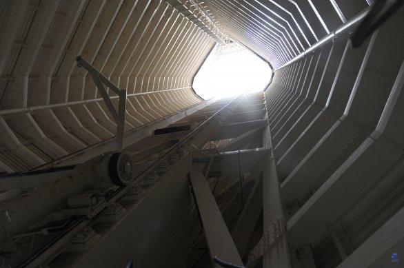 Uvnitř solárního dalekohledu McMath-Pierce. Observatoř Kitt Peak, Arizona, USA Autor: Zdeněk Bardon