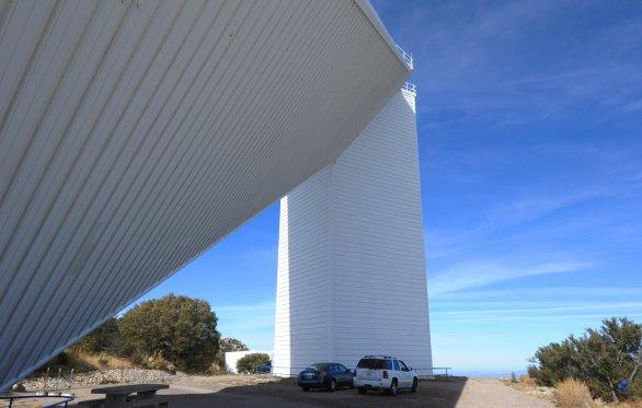 Solární dalekohled McMath-Pierce. Observatoř Kitt Peak, Arizona, USA Autor: Zdeněk Bardon