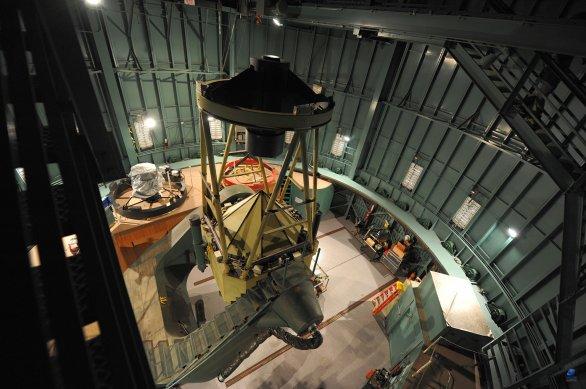 Uvnitř kopule dalekohledu The Bok Telescope. Observatoř Kitt Peak, Arizona, USA Autor: Zdeněk Bardon