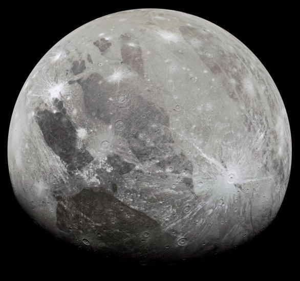 Měsíc Ganymedes vyfotografovaný sondou Juno v červnu 2021 Autor: NASA/JPL-Caltech/SwRI/MSSS/Kevin M. Gill