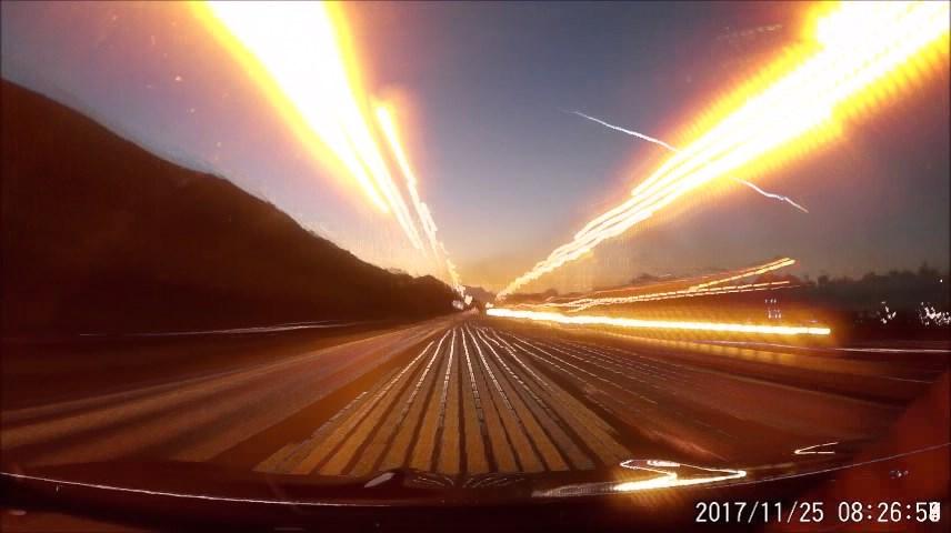Obr. 3: Video bolidu 20171125_071306 z onboard kamery v automobilu, dálnice M4 poblíž Port Talbot. Autor: Mark Lemon